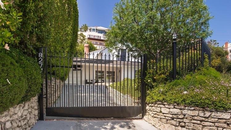 La Times Elisa G Ritt Reps Buyer In Sale Of Hw Hills Home